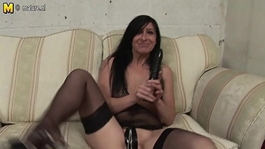 Skinny mature mother dreaming of hard cock