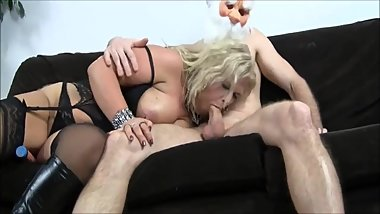 BBW GRANNY IN SEXY LINGERIE -ANAL
