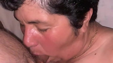 Auntie Lia knows how to do a blowjob