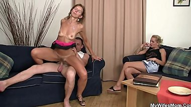 Her old mom sucks and rides his cock