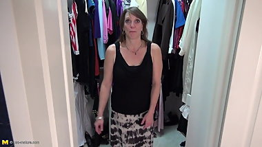 Amateur mom fucks her hungry cunt in wardrobe