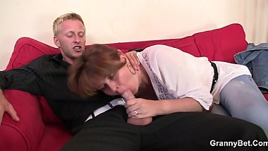 Boozed mature bitch is picked up for play