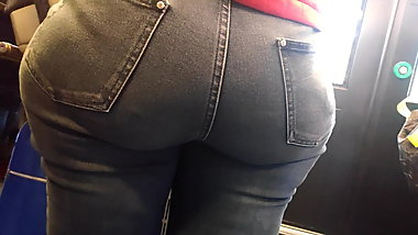 Prewiew bubble butts mature milfs in tight jeans (Write me)