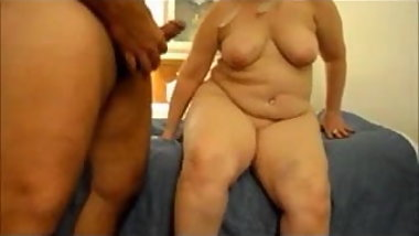 Fat Granny gives blowjob and cum